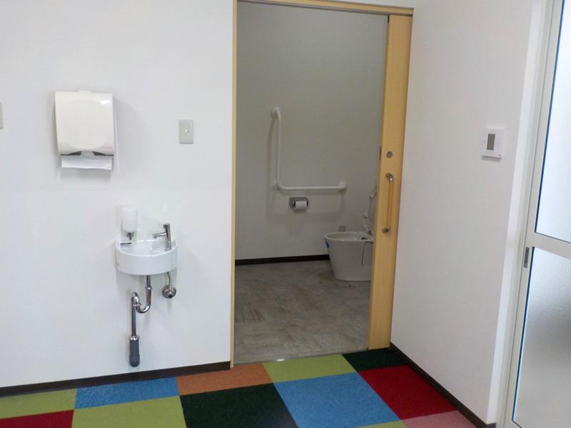 バリアフリートイレも完備